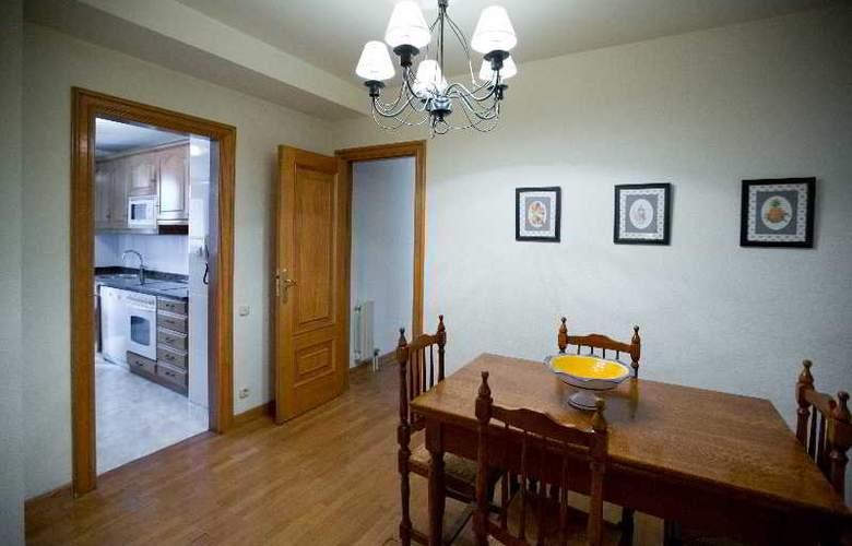 Apartamentos Gestion de Alojamientos - Room - 14