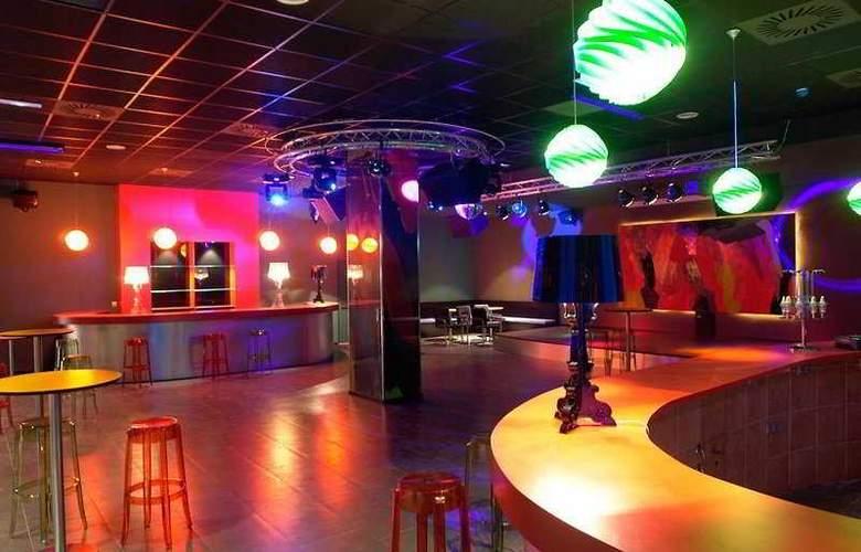 Valencia Congress - Bar - 9