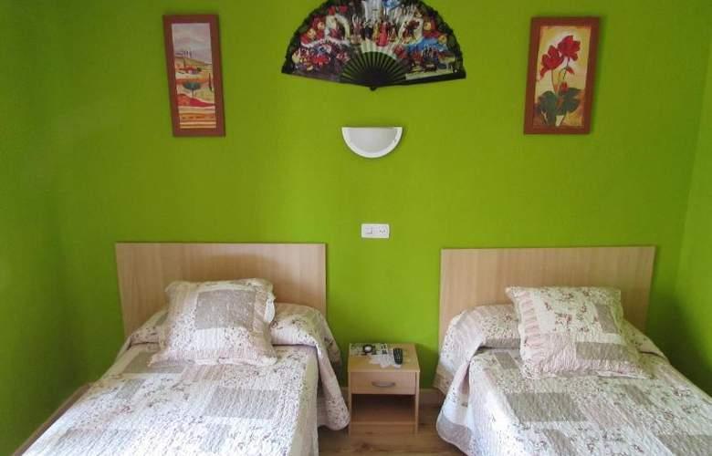 Rober - Room - 7