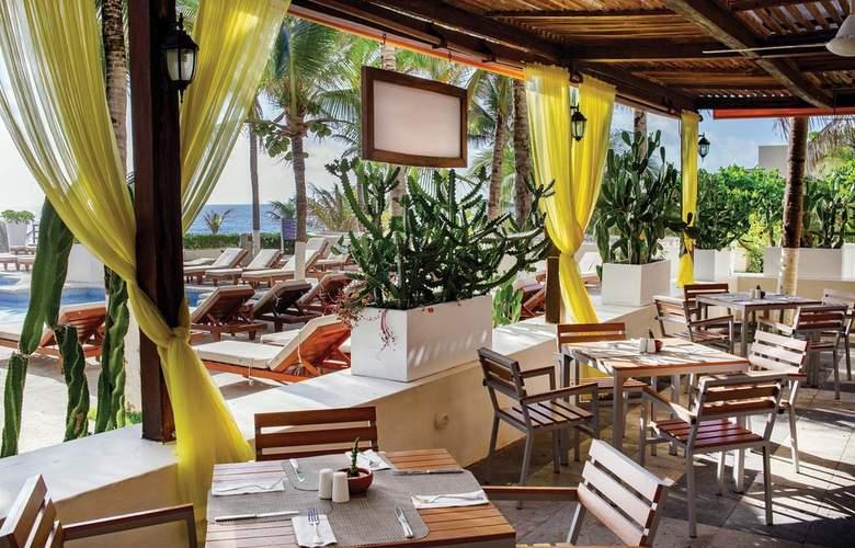 Now Emerald Cancun - Terrace - 4
