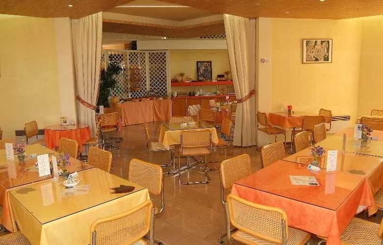 Interhotel La Closerie - Restaurant - 16