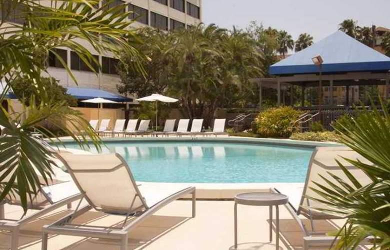 Hilton Tampa Airport Westshore - Hotel - 2