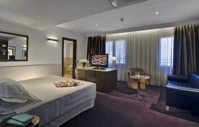 Plaza - Room - 17
