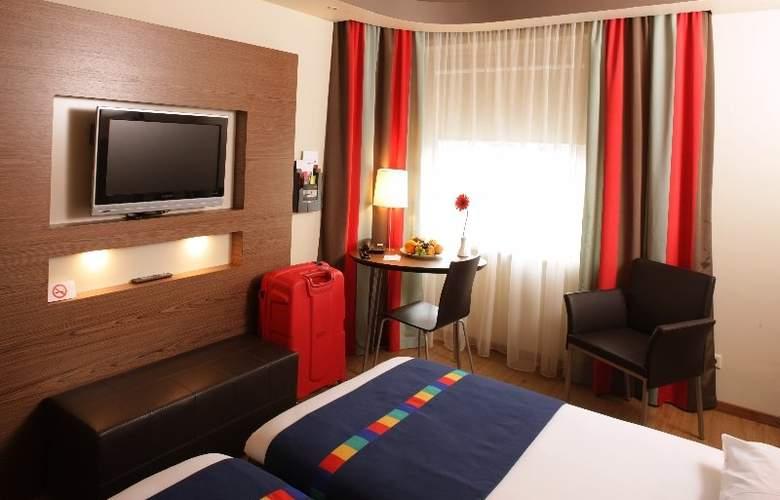 Park Inn Kaunas - Room - 0