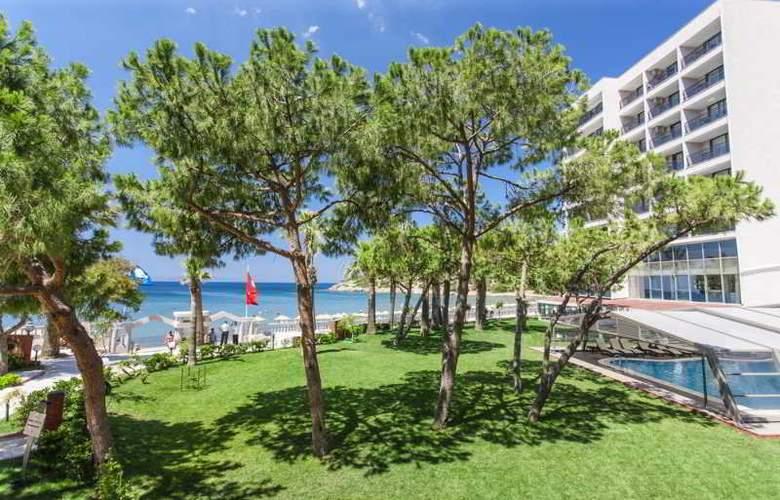 Tusan Beach Resort - Hotel - 8