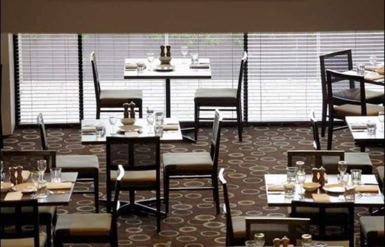 Crowne Plaza Canberra - Restaurant - 10