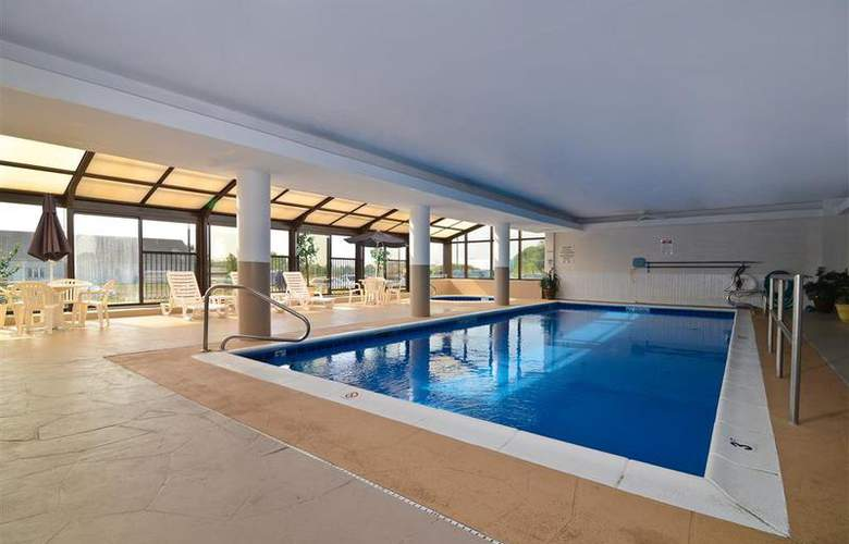 Best Western Joliet Inn & Suites - Pool - 145