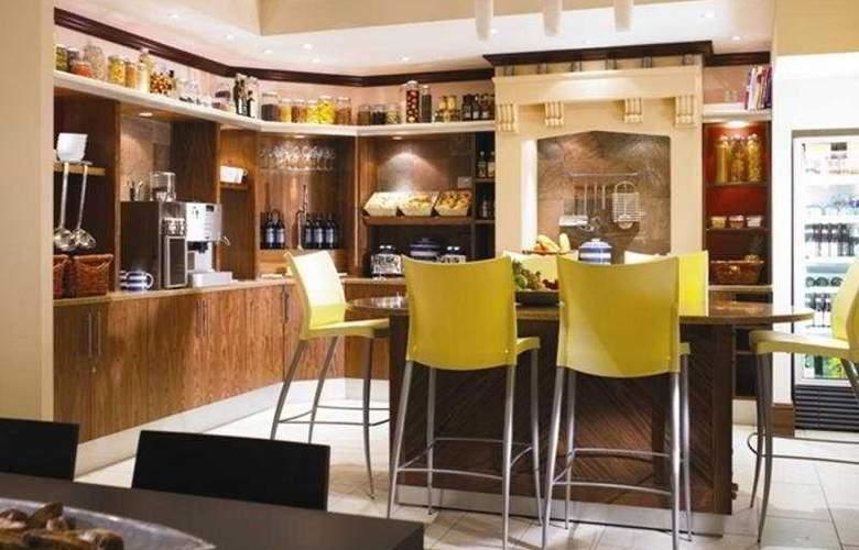 Staybridge Suites Liverpool - Bar - 7