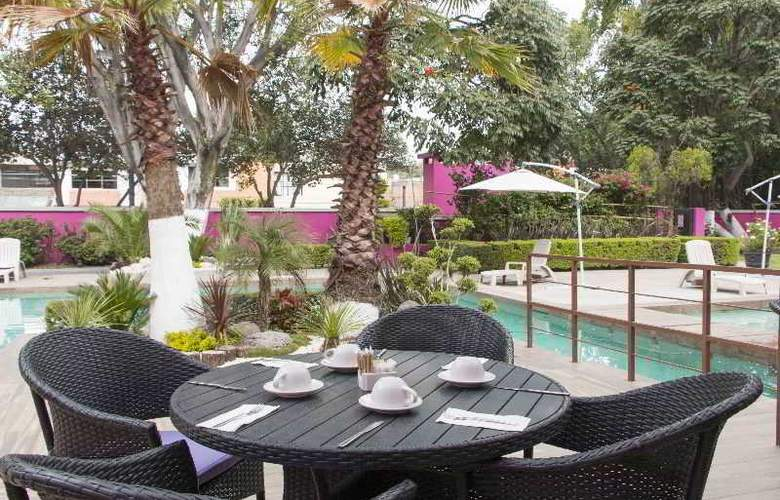 Best Western Real de Puebla - Terrace - 90