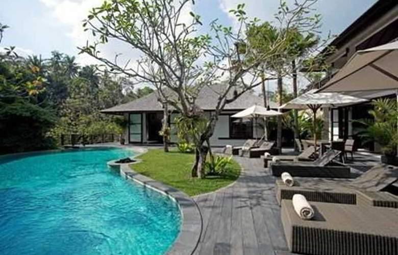 Villa Iskandar - Pool - 20