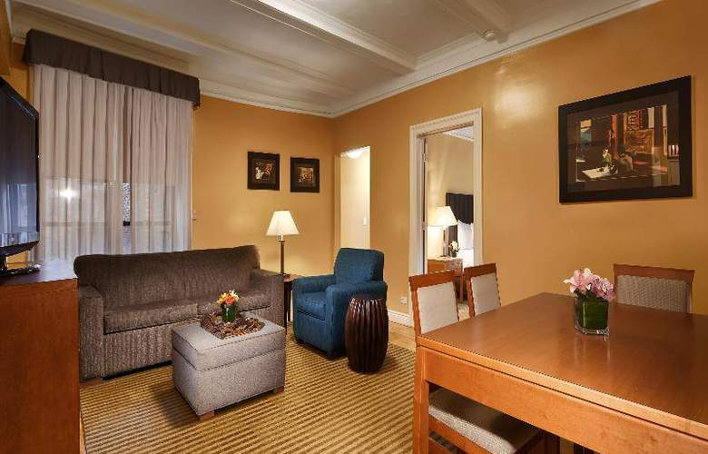 Best Western Plus Hospitality House - Apartments - Room - 77