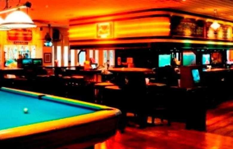 Buddy Lodge - Bar - 9