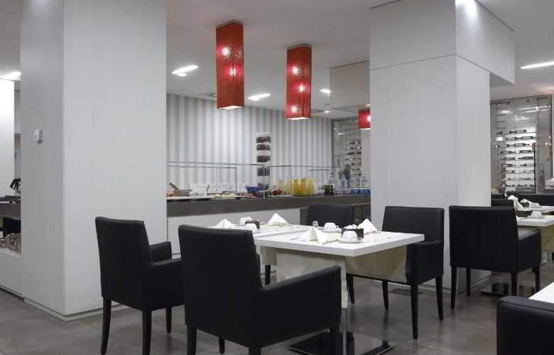 NH Genova Centro - Restaurant - 18