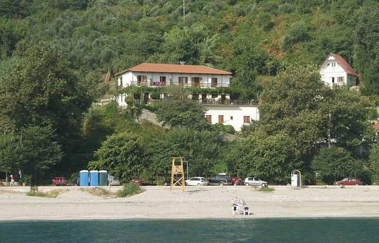 Papa Nero Studios and Apartments - Beach - 5