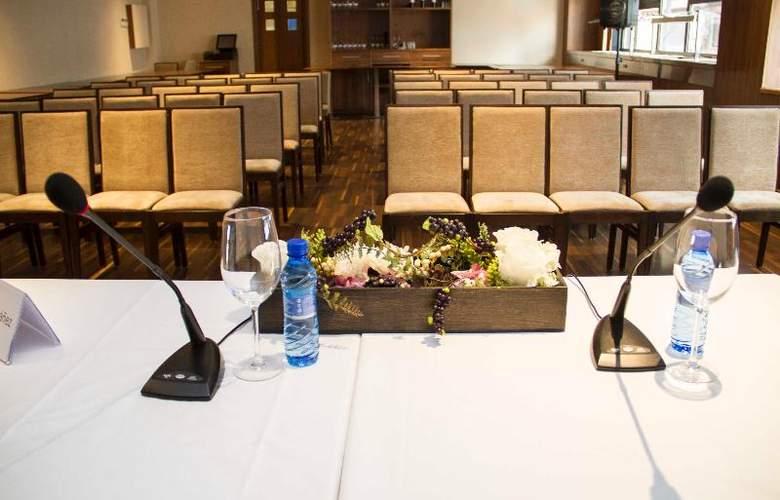 Santa Eulalia - Conference - 20