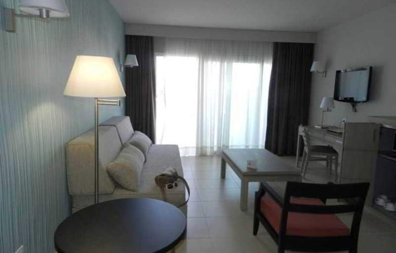HD Beach Resort & Spa - Room - 1