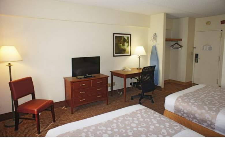 La Quinta Inn & Suites New Haven - Room - 10