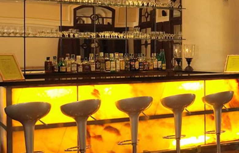 Royal Orchid Metropole - Bar - 4