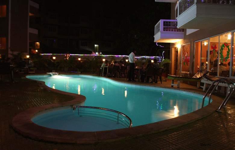 Ginger Tree Beach Resort - Pool - 6