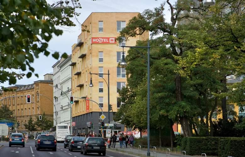 Meininger Berlin Alexanderplatz - Hotel - 0