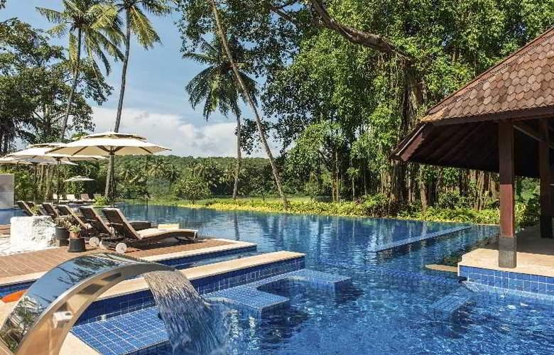 Novotel Goa Resort and Spa - Pool - 57