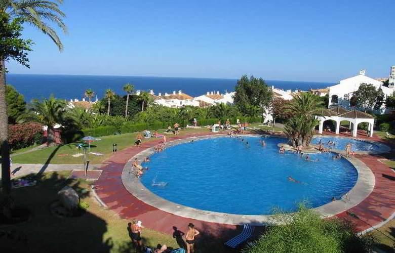 Urb. Gran Vista - Pool - 2
