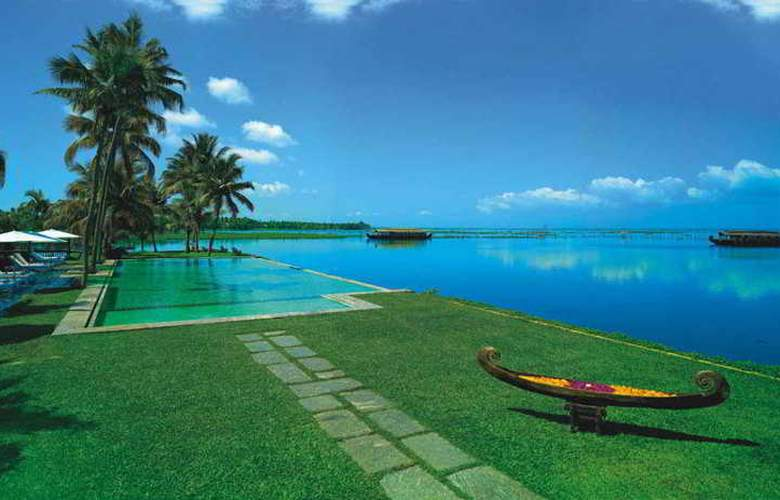 Kumarakom Lake Resort - Pool - 8
