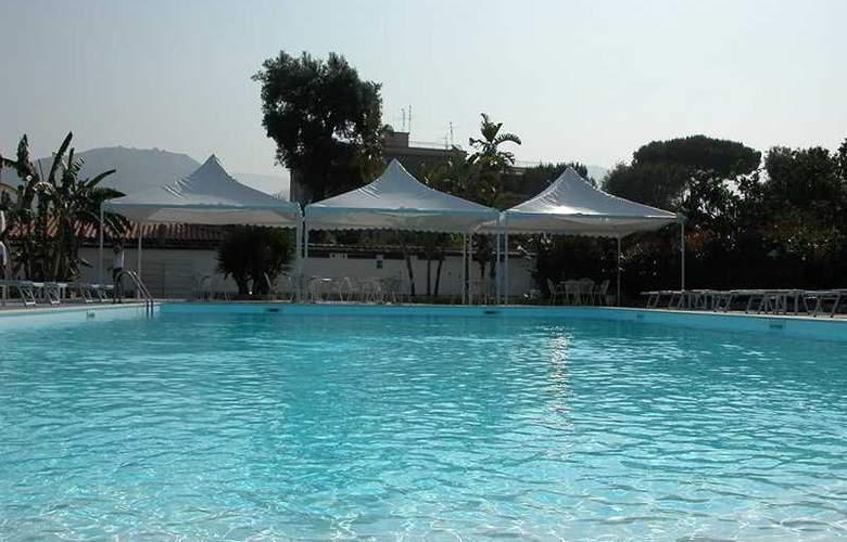 Esperidi Resort - Pool - 9
