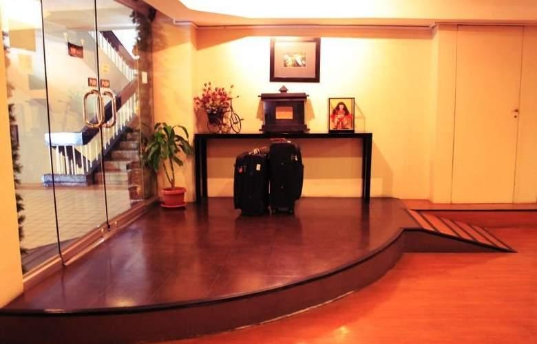 Creekside Amorsolo Hotel - Hotel - 11