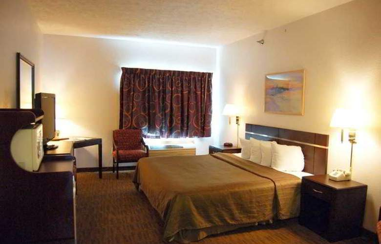 Quality Inn & Suites - Room - 6