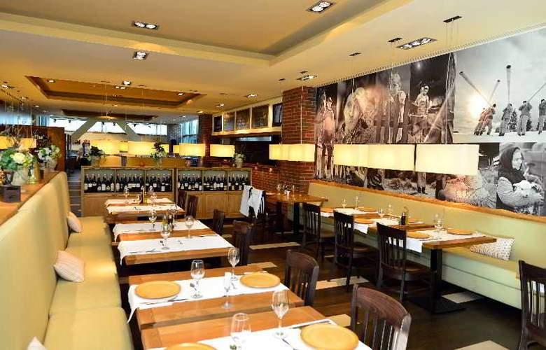 Ramada Brasov - Restaurant - 14