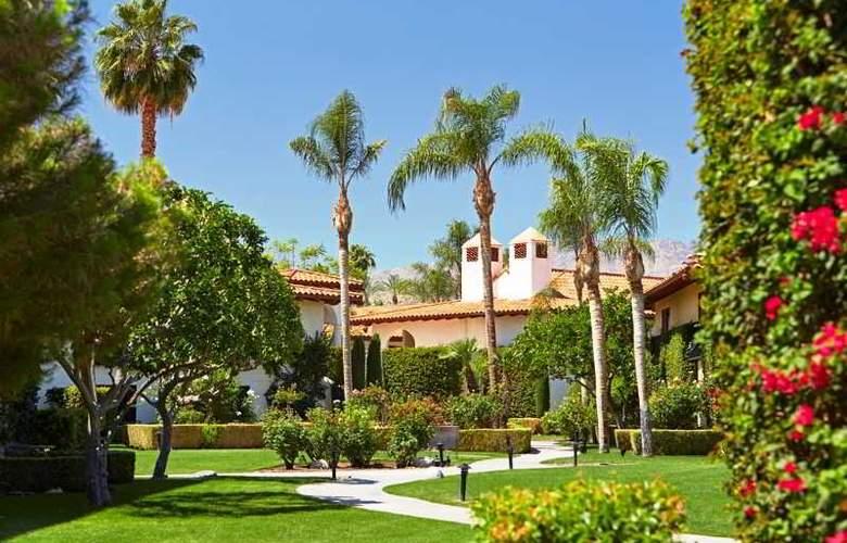 Miramonte Resort & Spa - Terrace - 38