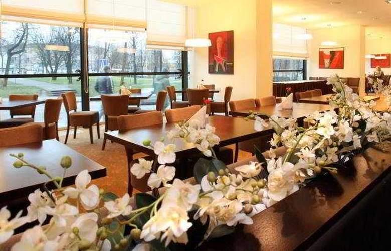 Panorama Hotel - Restaurant - 11
