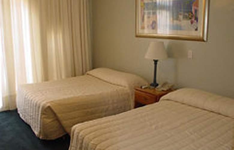 Clay Hotel - Room - 2