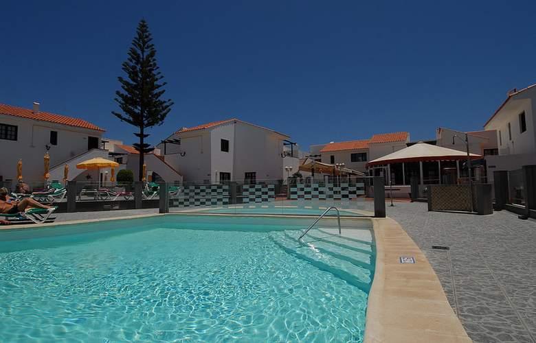 Villa Florida - Pool - 14