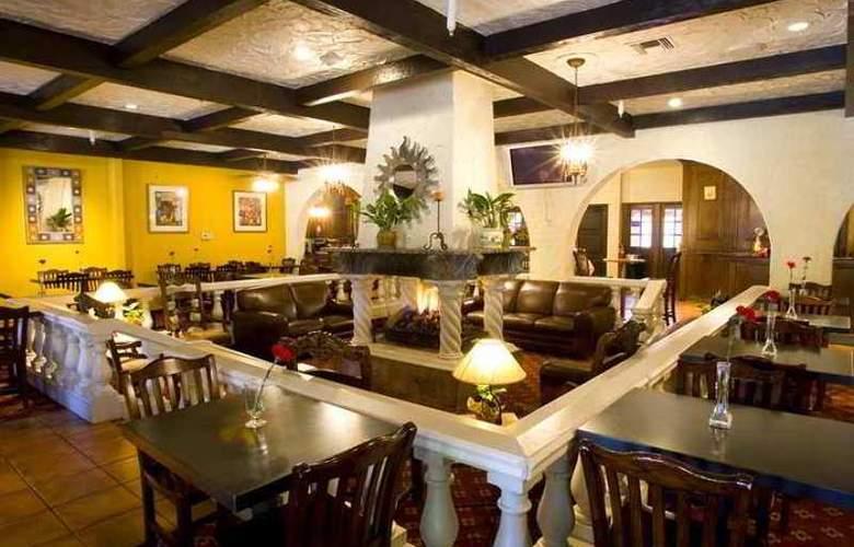 Embassy Suites Tucson Williams Center - Hotel - 7