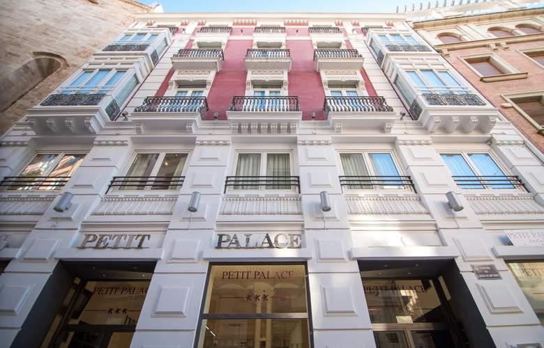 Petit Palace Plaza de la Reina - Hotel - 0