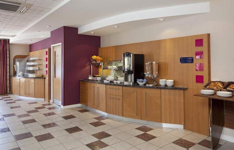 Holiday Inn Express Poole - General - 1
