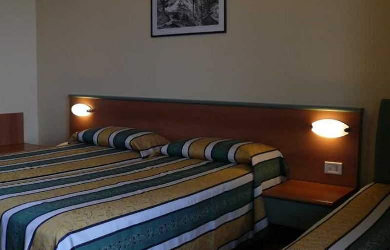 Eden Riviera - Room - 8