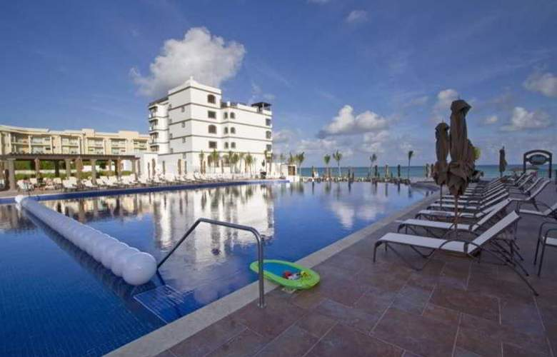 Grand Residences Riviera Cancun - Pool - 22