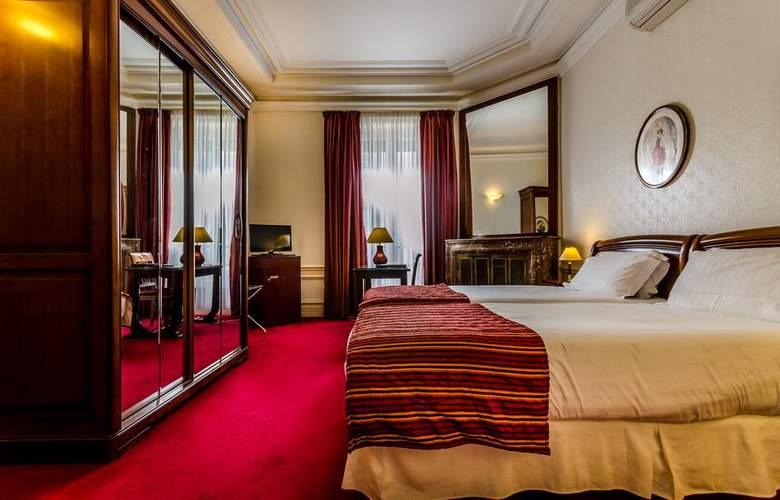 Langlois - Room - 11