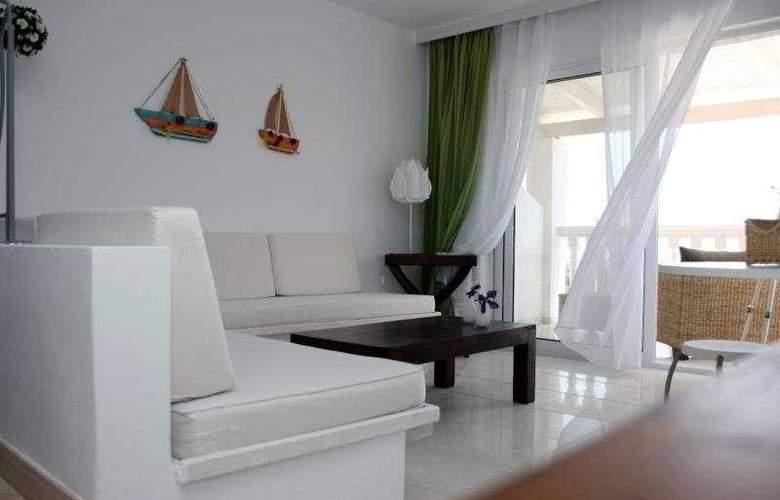 Belvedere Gerakas Lux. Suites - Room - 8