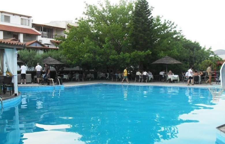 Mikro Village - Pool - 5