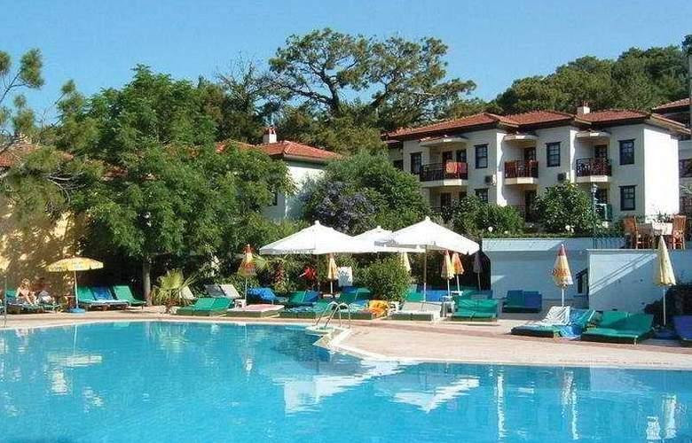 St Nicholas Park Hotel - Pool - 1