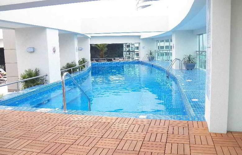 Wyndham Guayaquil - Pool - 12