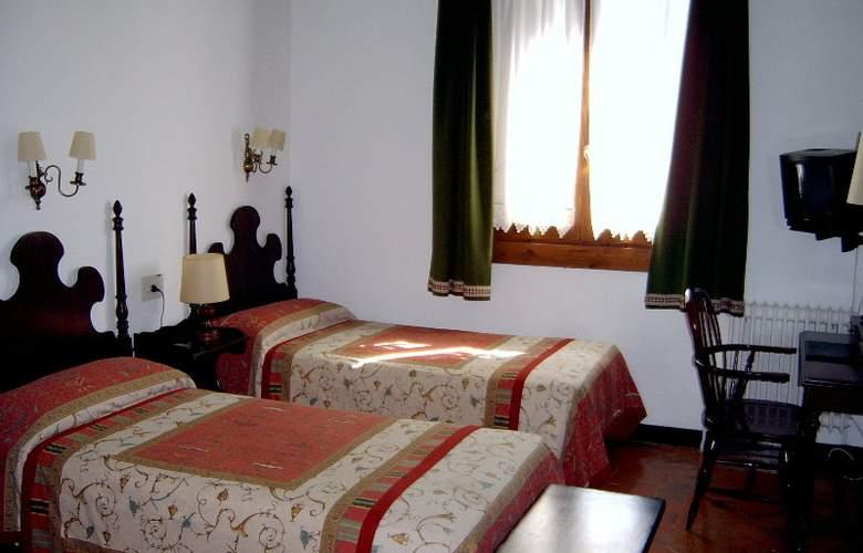 Conde Aznar - Room - 2