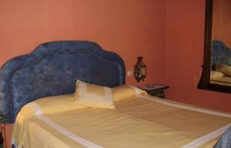 Apartamentos Navila - Hotel - 0