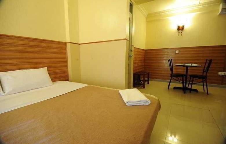 Luckyhiya - Room - 12