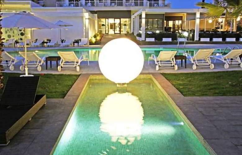 BG Caballero - Pool - 19