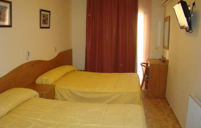 Ciutadella - Room - 10
